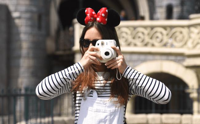 The Wild Parisian l'été à Disneyland